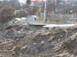 alunecari-de-teren-comarnic-1