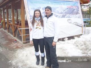 Andreea-Visan,-impreuna-cu-antrenorul-Ion-Balan