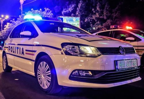 masina-politie noaptea